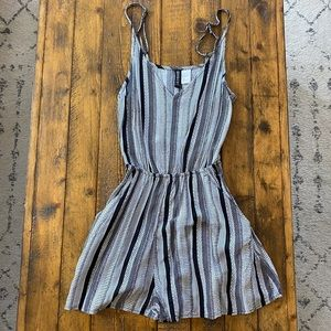 H&M Romper with pockets size 2